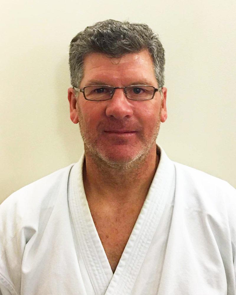 Claude Dalpé, instructeur-chef - Écoles de karaté Sankudo
