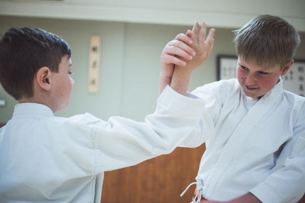 Cours débutants - Écoles de karaté Sankudo
